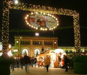 Weihnachtsmarkt_Bahnhof